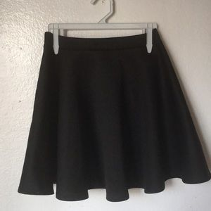 NORDSTROM FRENCHI FLARED SKIRT SIZE S (fits xs)